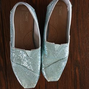 TOMS - Light blue glitter - Size 6.5